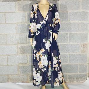 Dresses & Skirts - NWOT Women's Floral Print Long Maxi Dress Medium